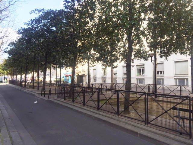 Paris Gare de l'Est Sqaure Verdun