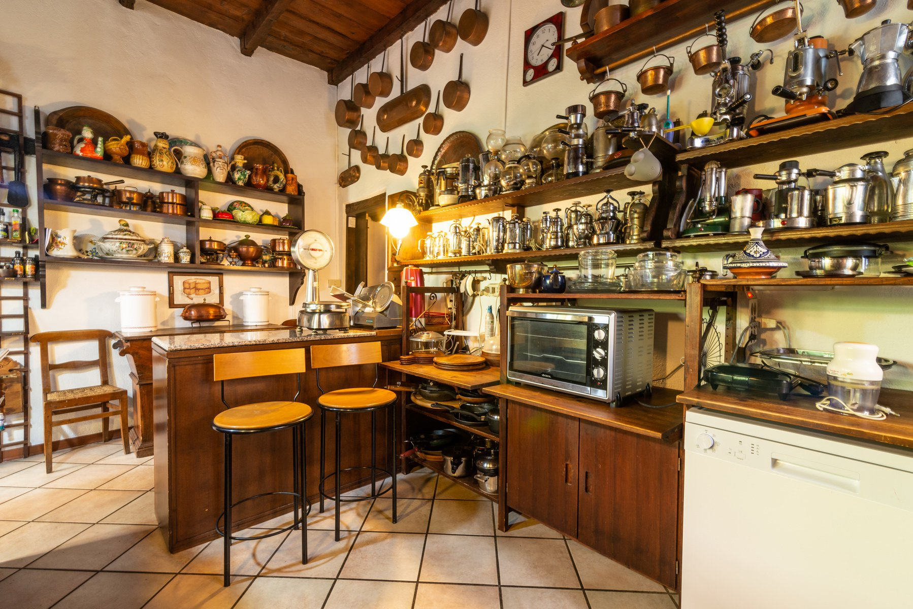 Historic house for sale in Lesa- large kitchen