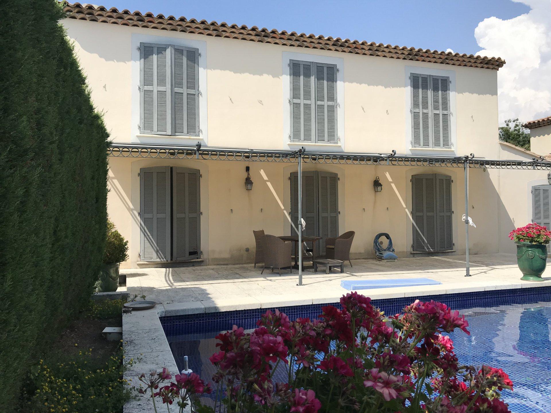 Sale Villa - Aix-en-Provence Les Platanes