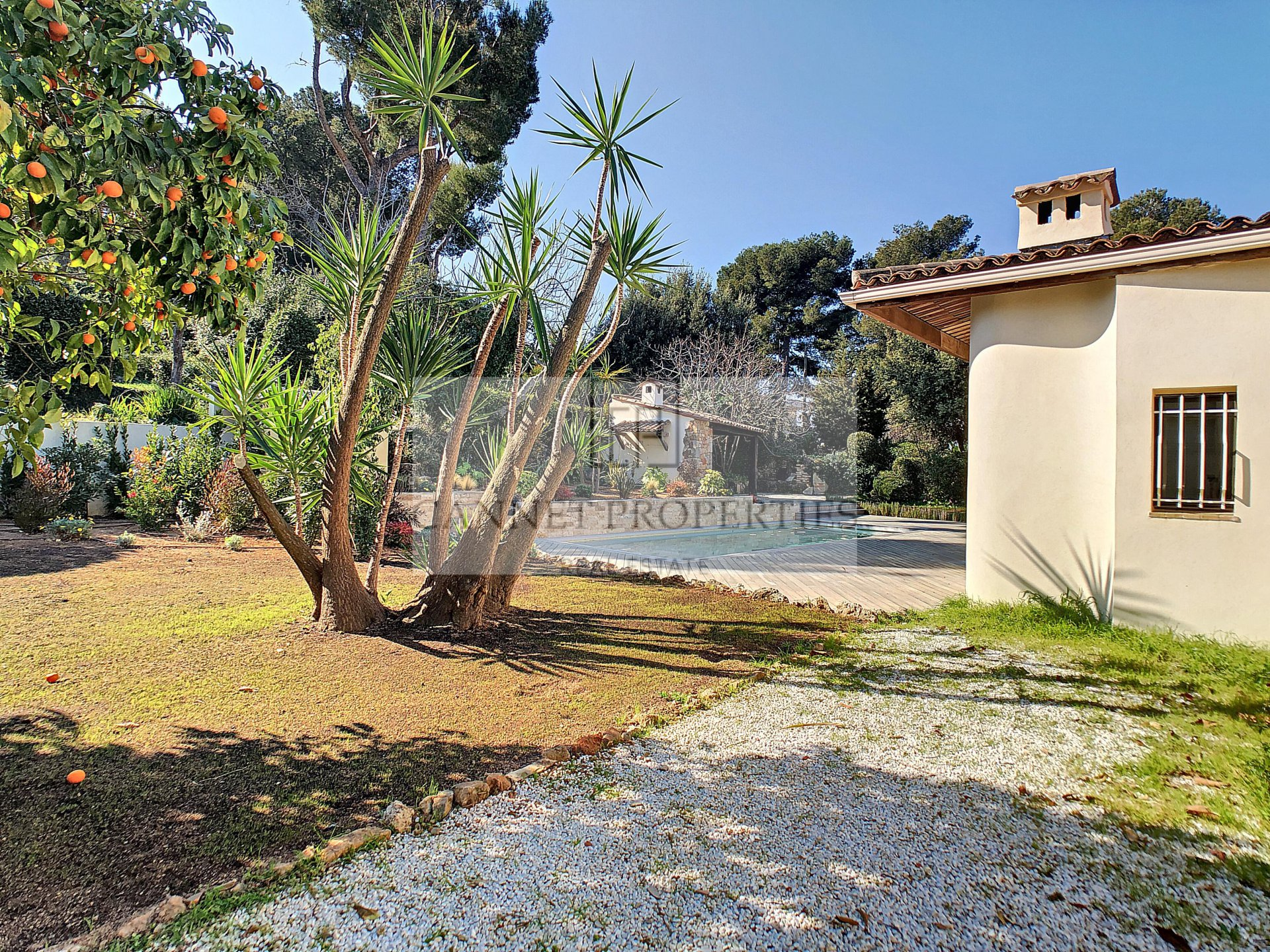 VILLA ON SALE  ON THE HEIGHTS OF LE CANNET