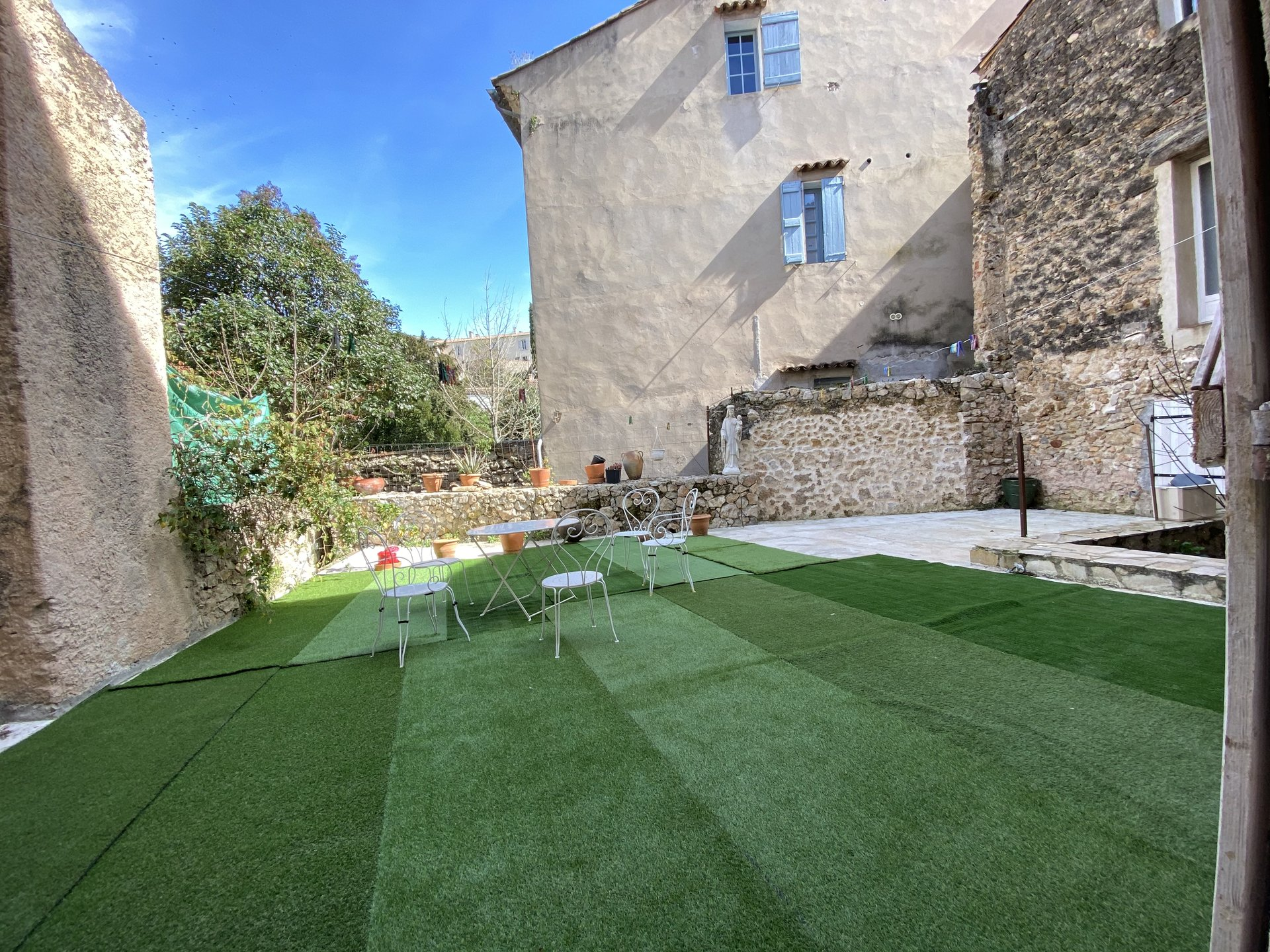 Huge beautiful village house with garden and garage, Cotignac