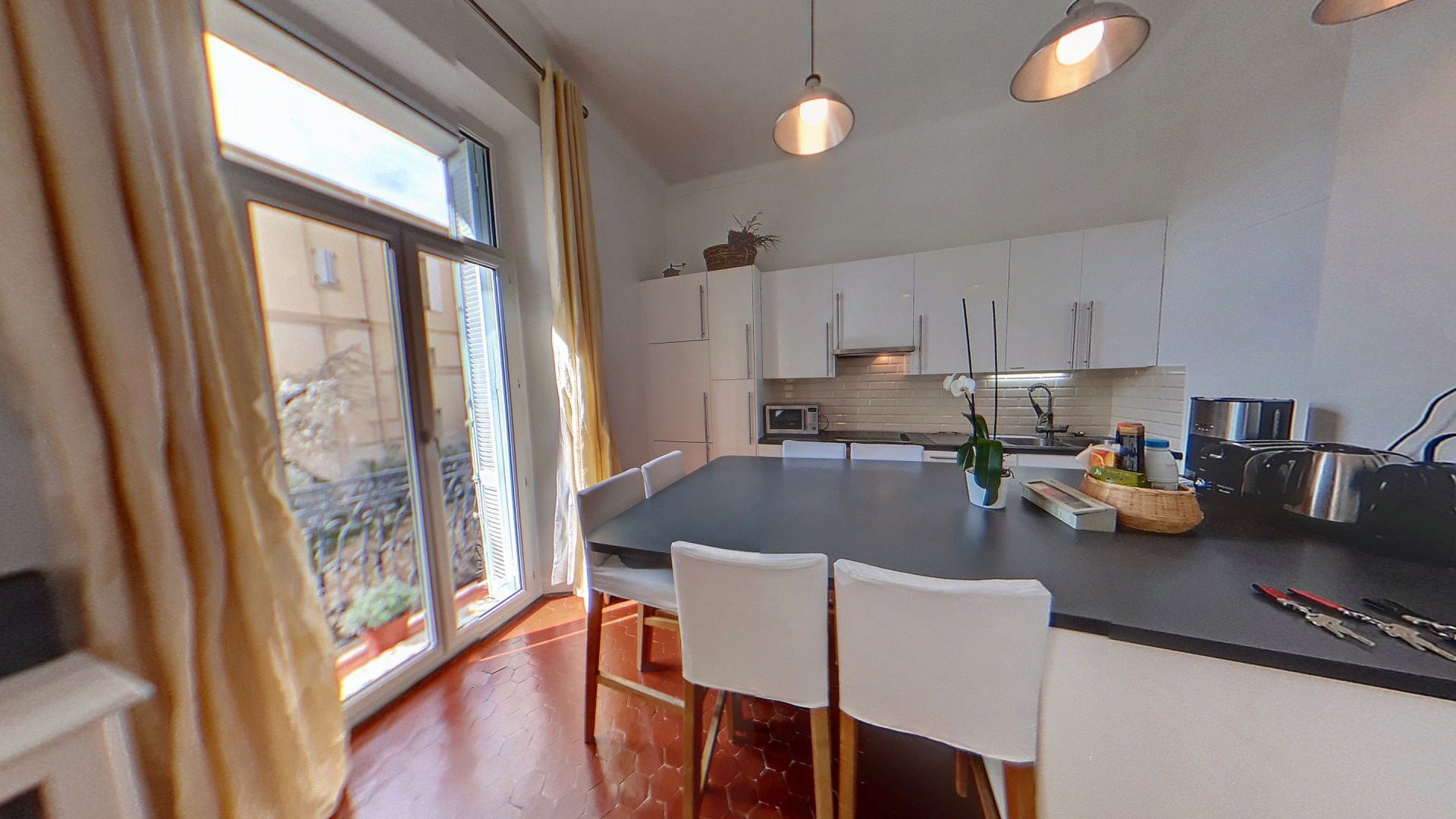 Cannes Stanislas renovated apartment for sale in a Bourgeois building