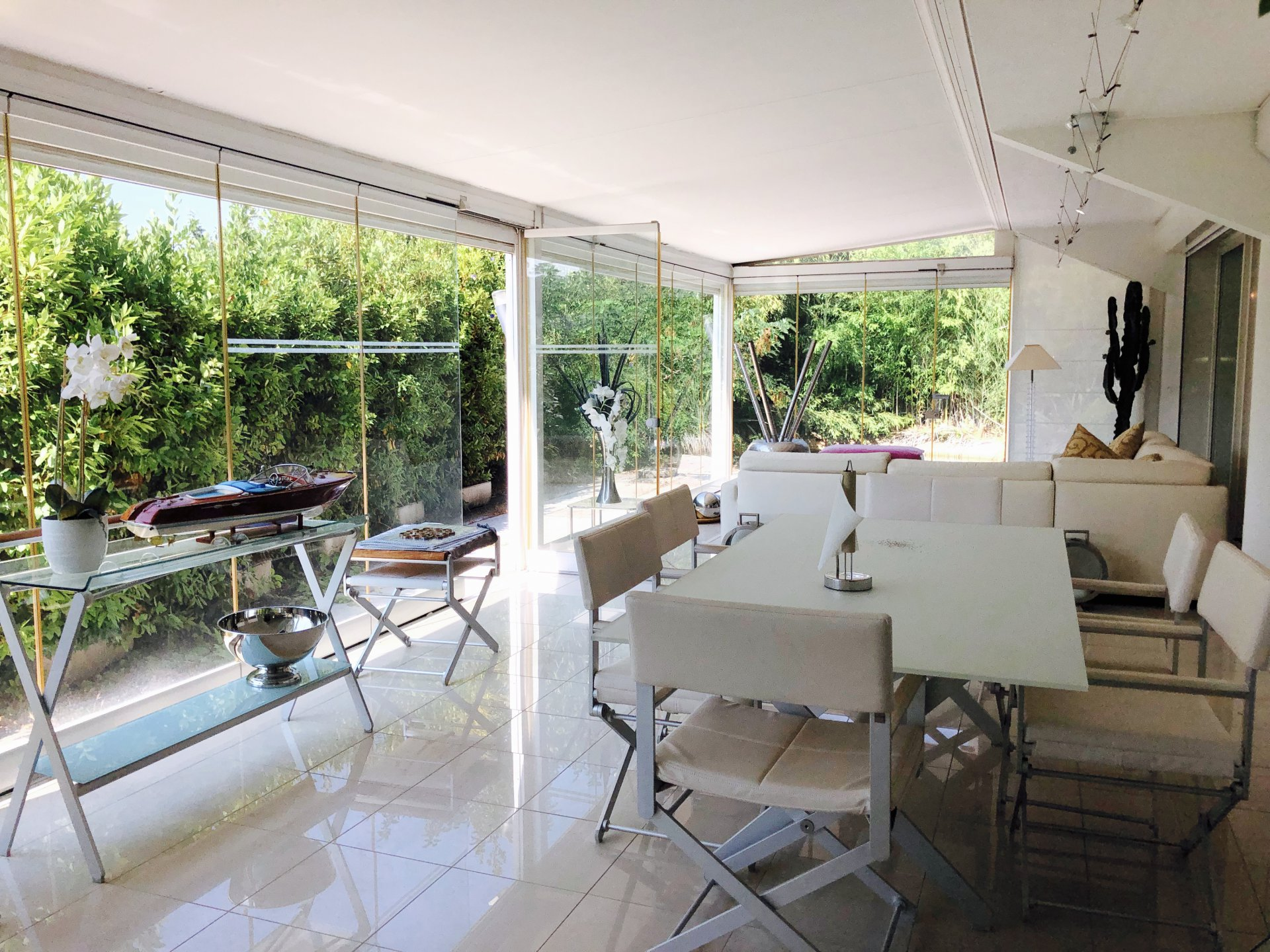 Cannes Montfleury, superbe 4P 140m2 en rdj, cave, parking et garage