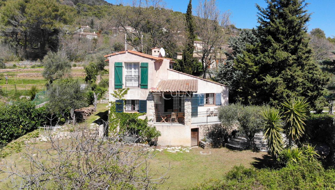 Property for sale in Tourrettes-sur-Loup with sea views