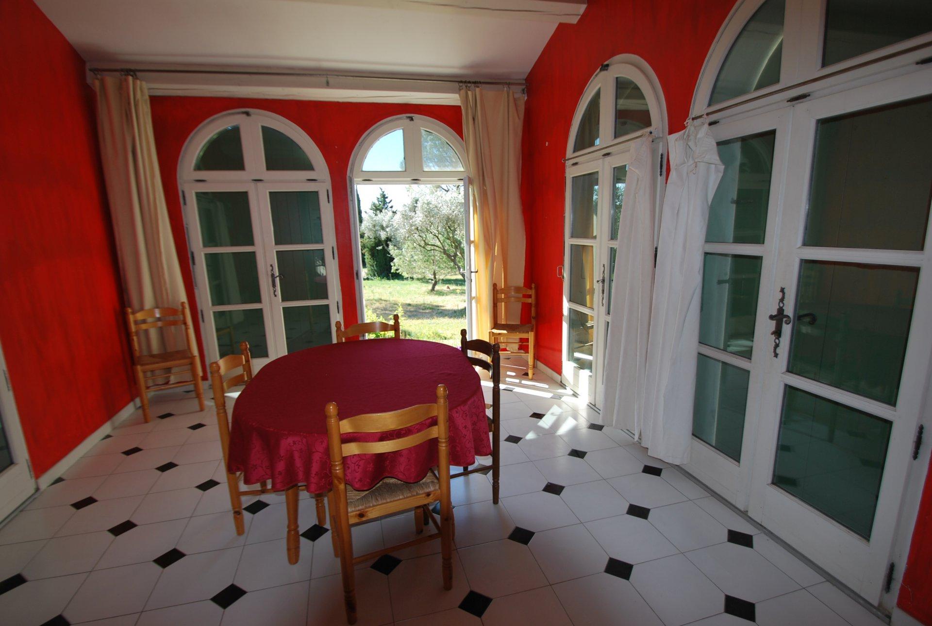 Villa avec piscine sur PARADOU