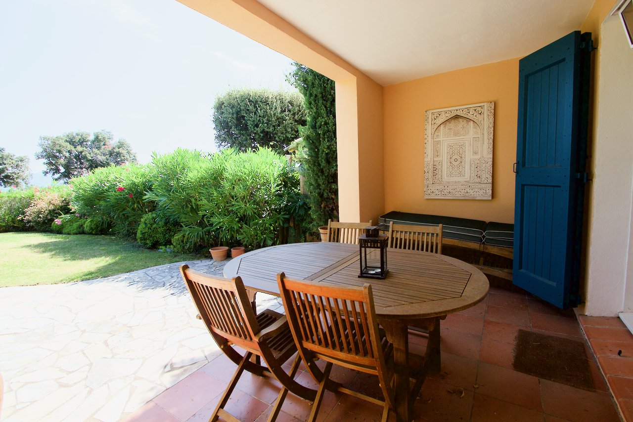 Roquebrune/s Argens, Maison T3 in luxury domaine, with pool and tennis-courts