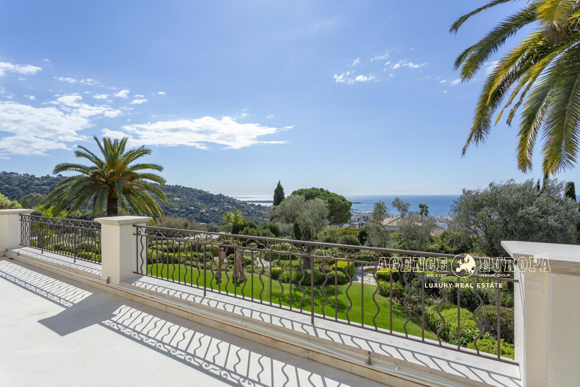 CANNES CALIFORNIE - PANORAMIC SEA VIEW AND BAY OF CANNES