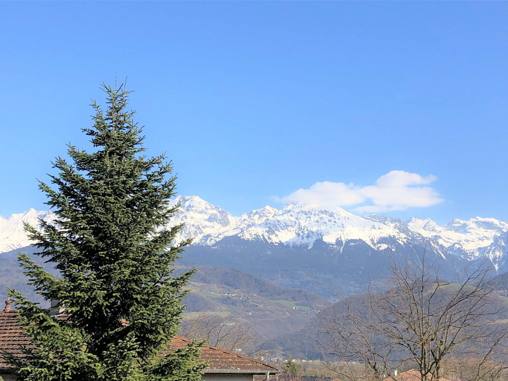 Sublime vue sur nos montagnes !