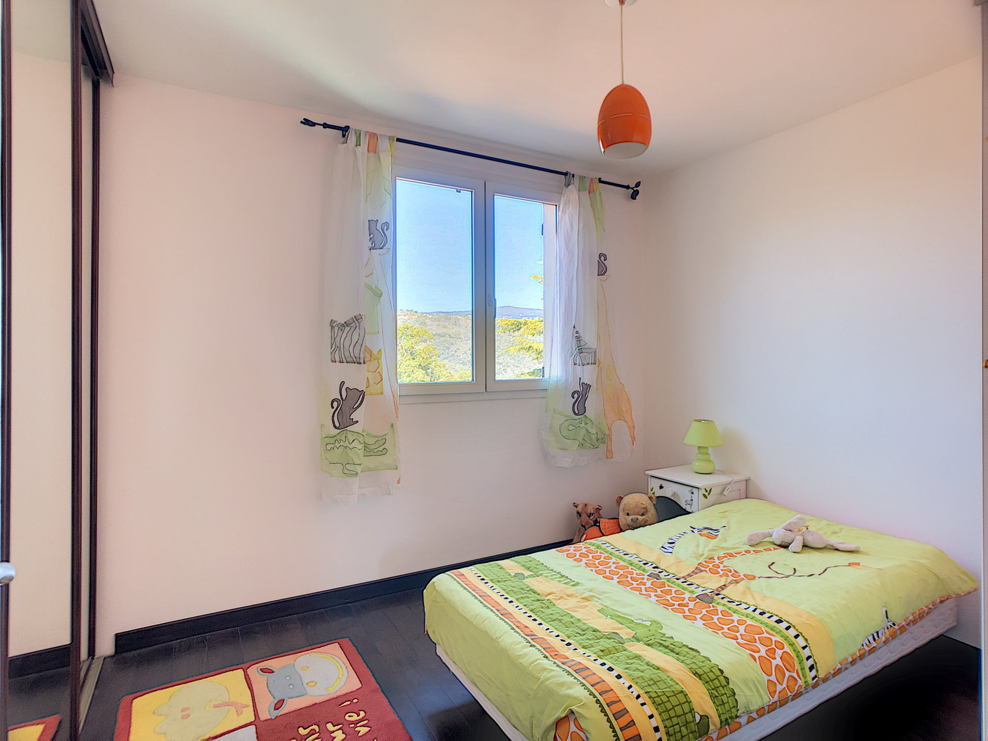 Family house, 6 Rooms in a peaceful environment
