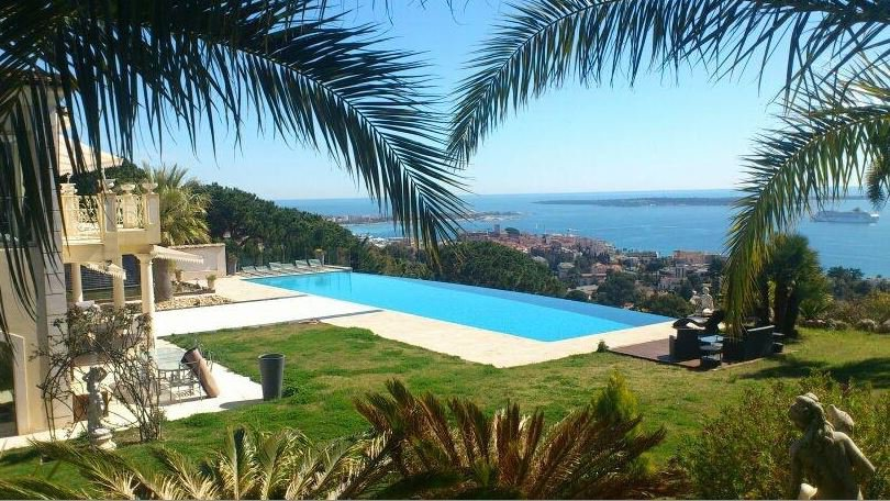 CANNES VILLA WITH A BREATH TAKING SEA VIEW