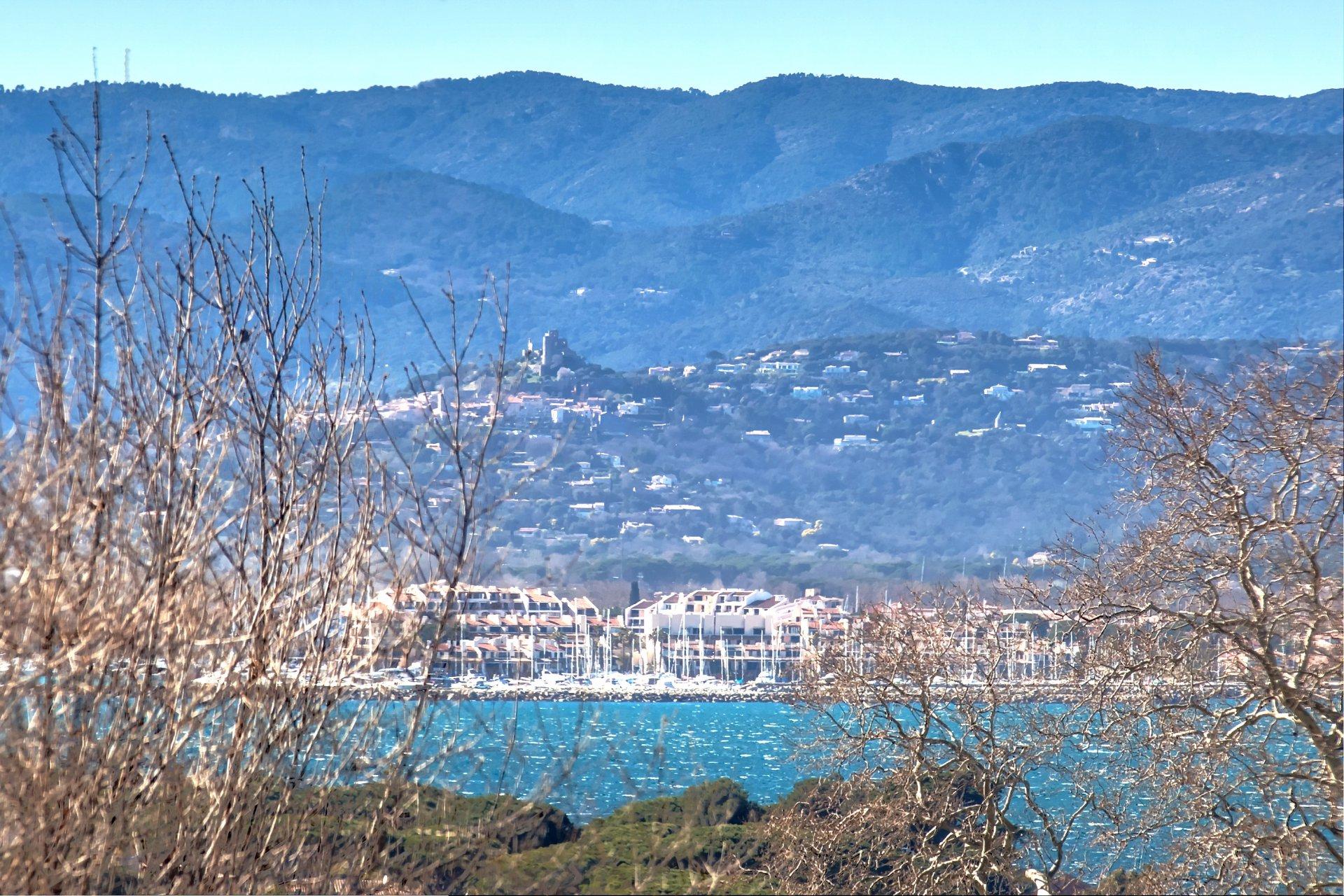 Villa contemporaine SOLEIL  St Tropez