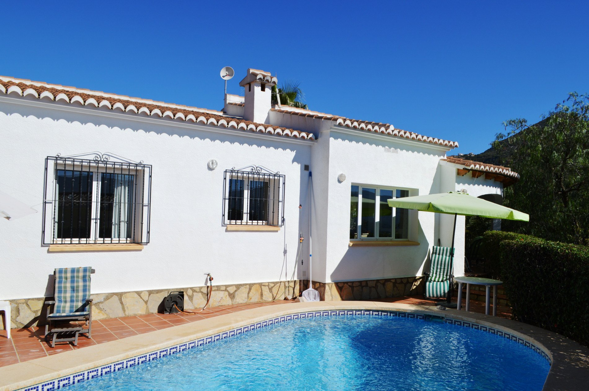 Perfectly located villa on outskirts of village