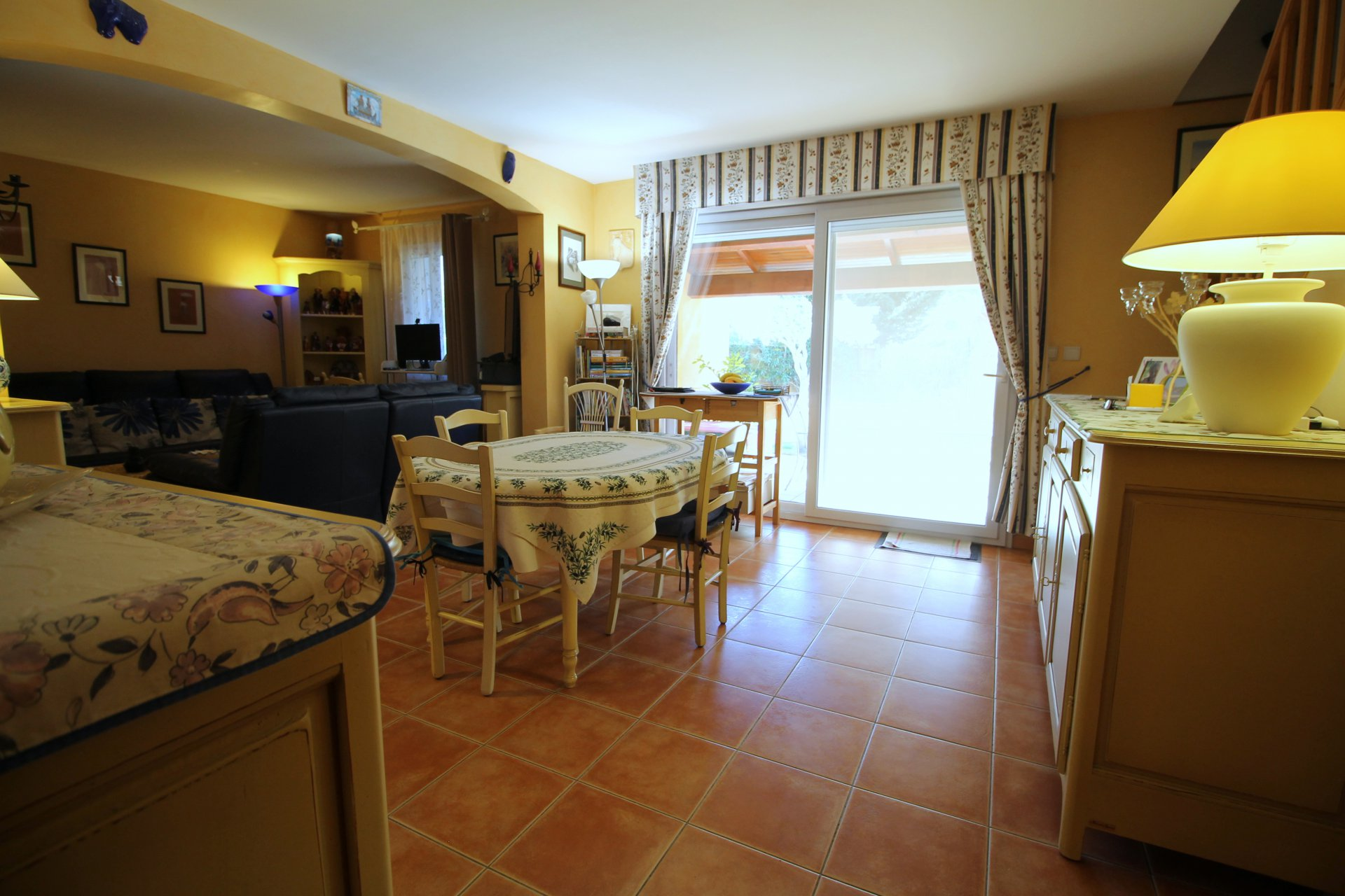 3 bedroom holiday home for sale in Arles and close to the beach