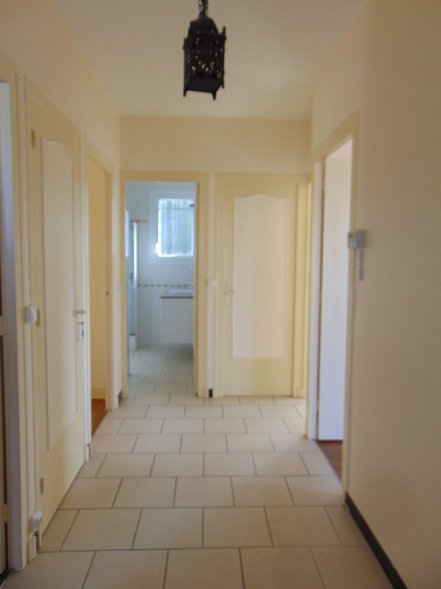 pavillon sur sous sol sur 566 m²