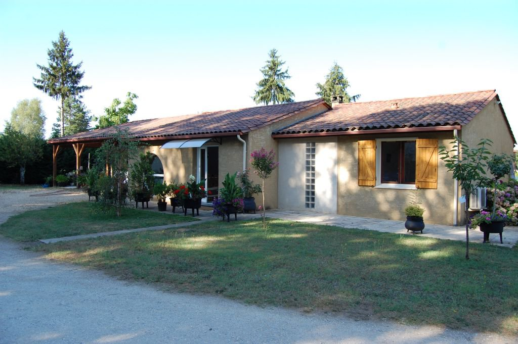 DORDOGNE - Nice villa with tropical pool, poolhouse and garage on 4.077 m2