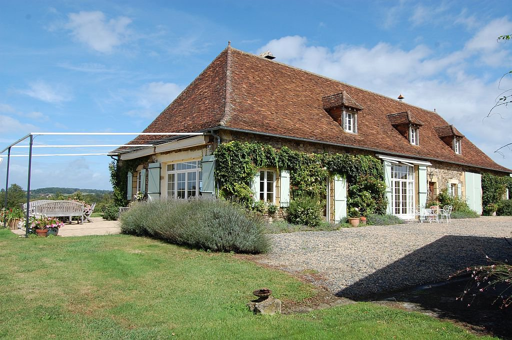 DORDOGNE - Splendid property with gîte, outbuilding and pool on 16h5
