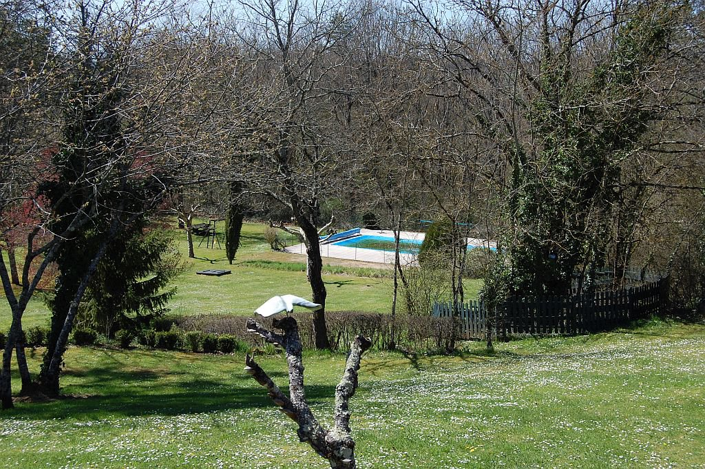 DORDOGNE - beautiful property with 2 houses, 6 gîtes and pool on 5,5 ha