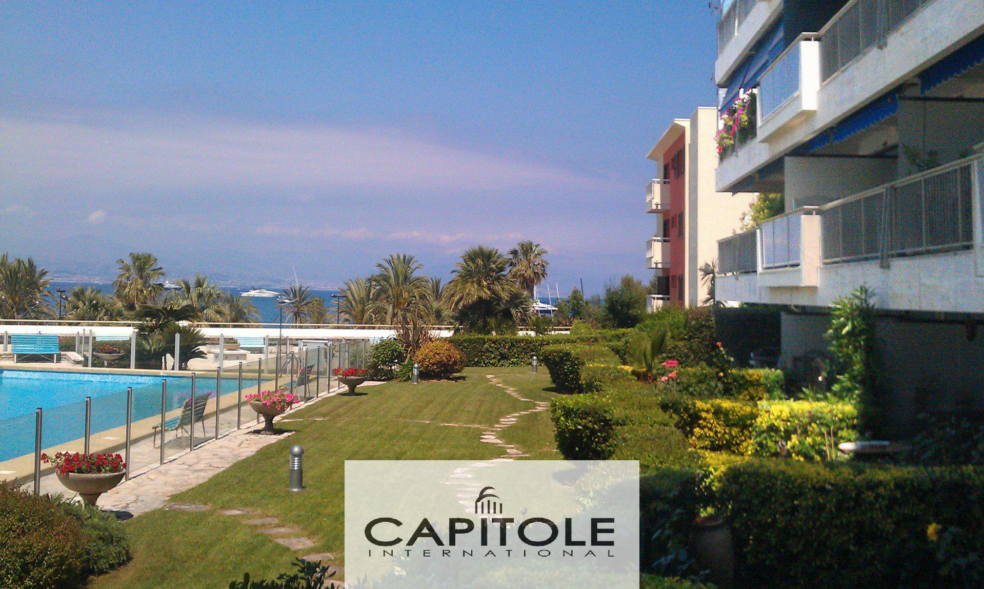 For sale, Antibes border line Cap d'Antibes, superb 2 bedroom apartment 81m², sea view,