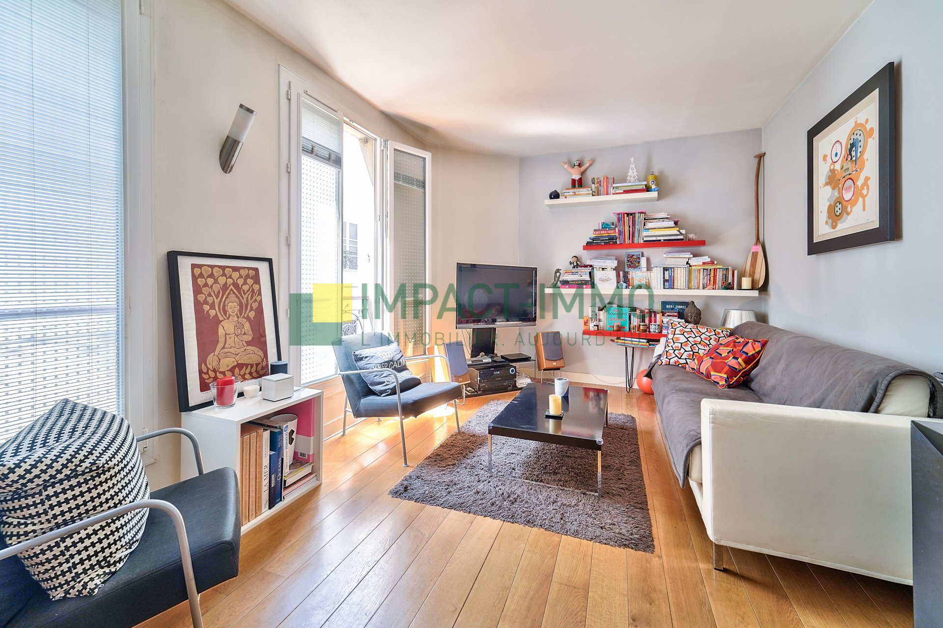 APPARTEMENT EN ETAGE ASCENSEUR - PARIS 17EME