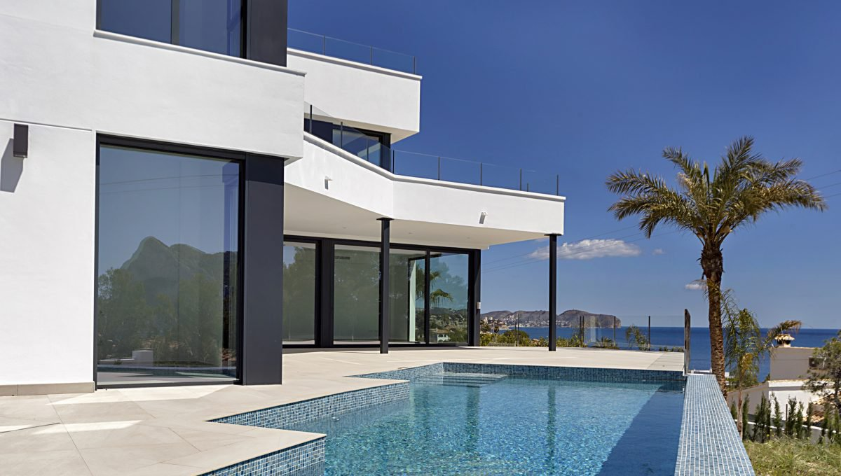 Villa on an incredible location with panoramic sea views