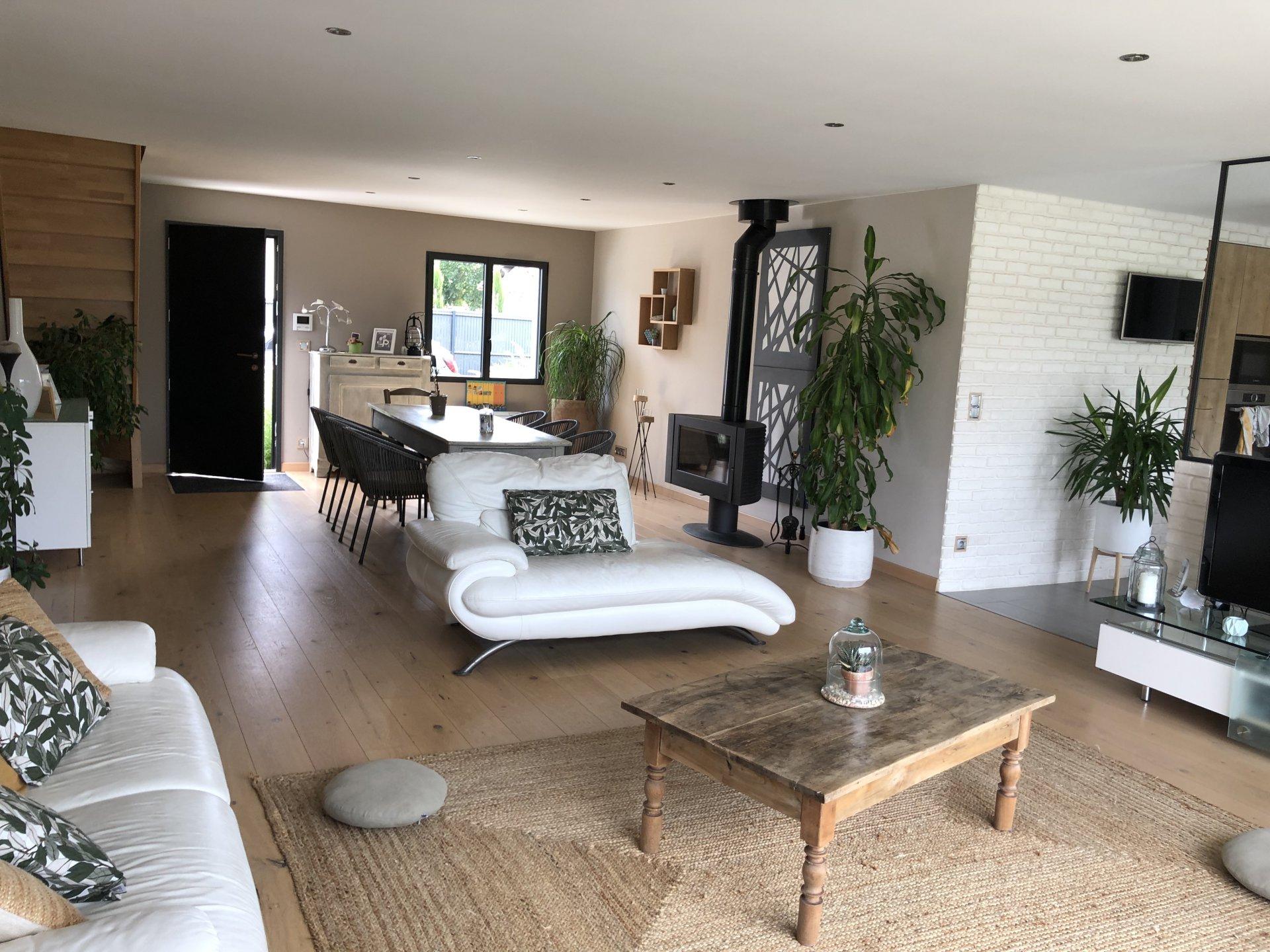 Sale House - Saint-Martin-de-Boscherville