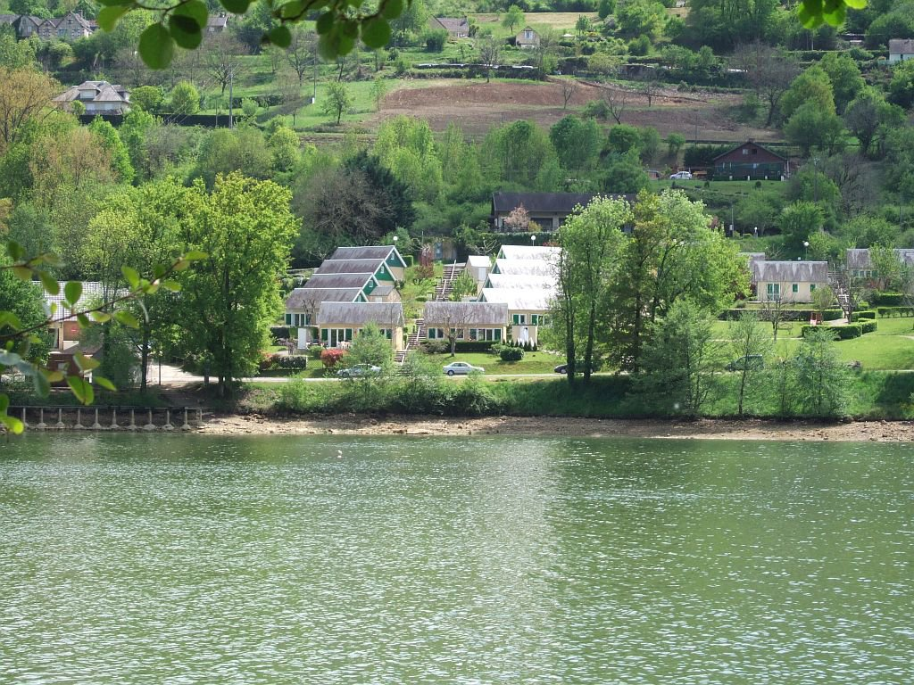 Border lac du Causse, nice chalet on 813 m2 with shed