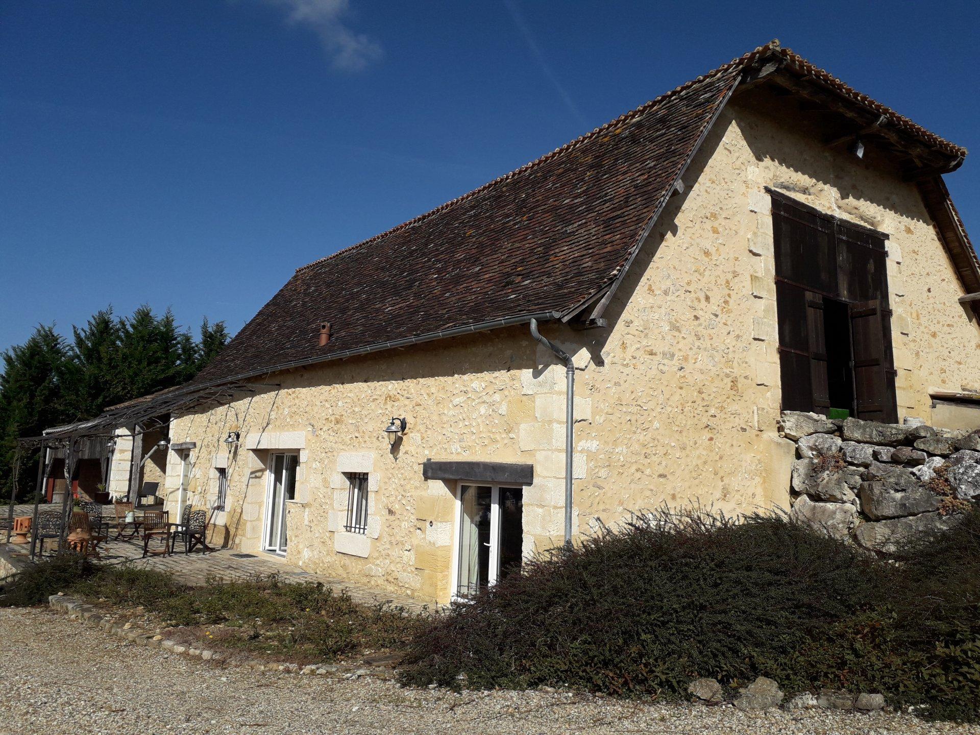Belle grange du 18ème siècle rénovée sur 5Ha