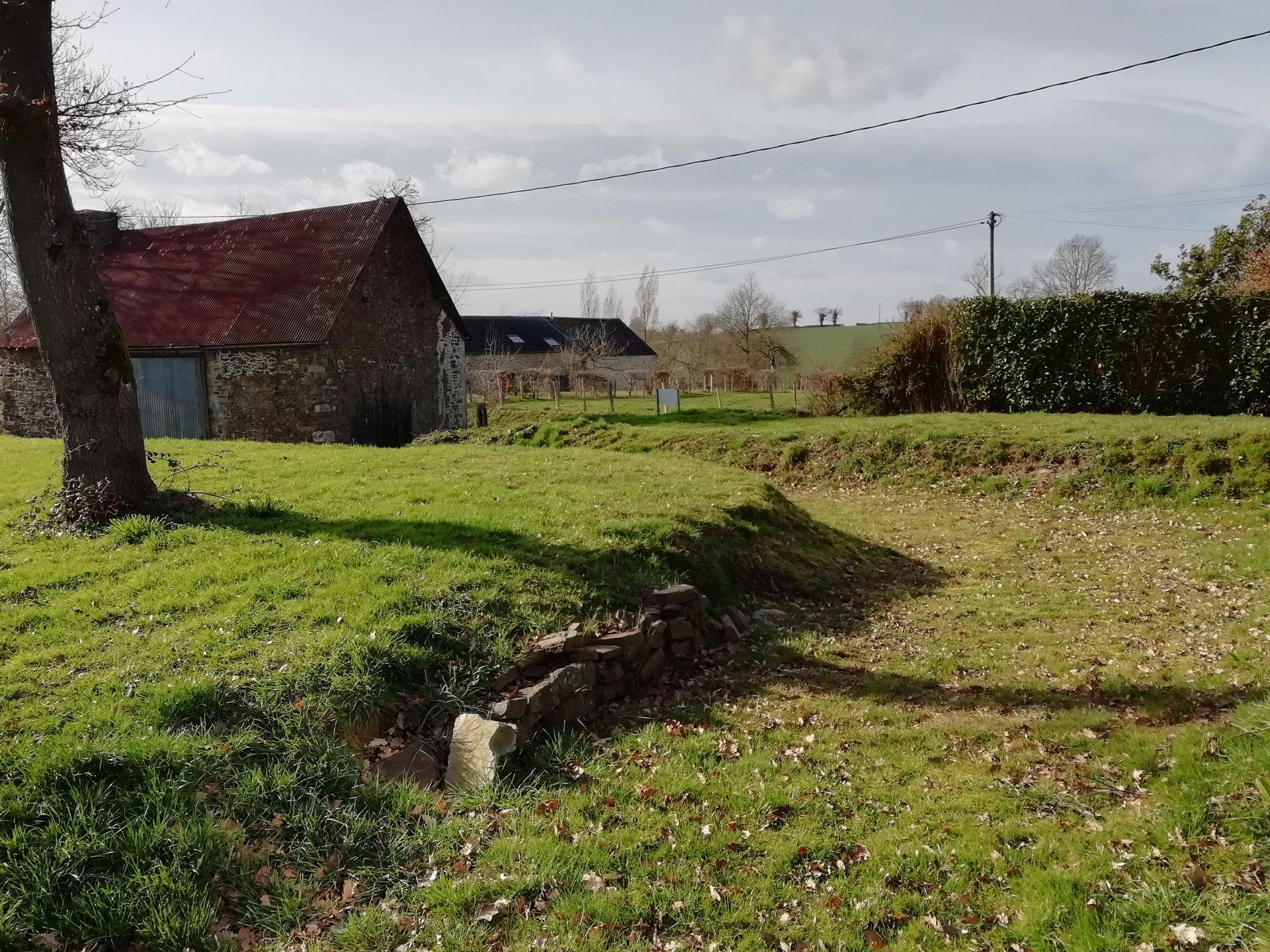 Maison 110 m² avec dépendance et terrain Saint Calais du Désert