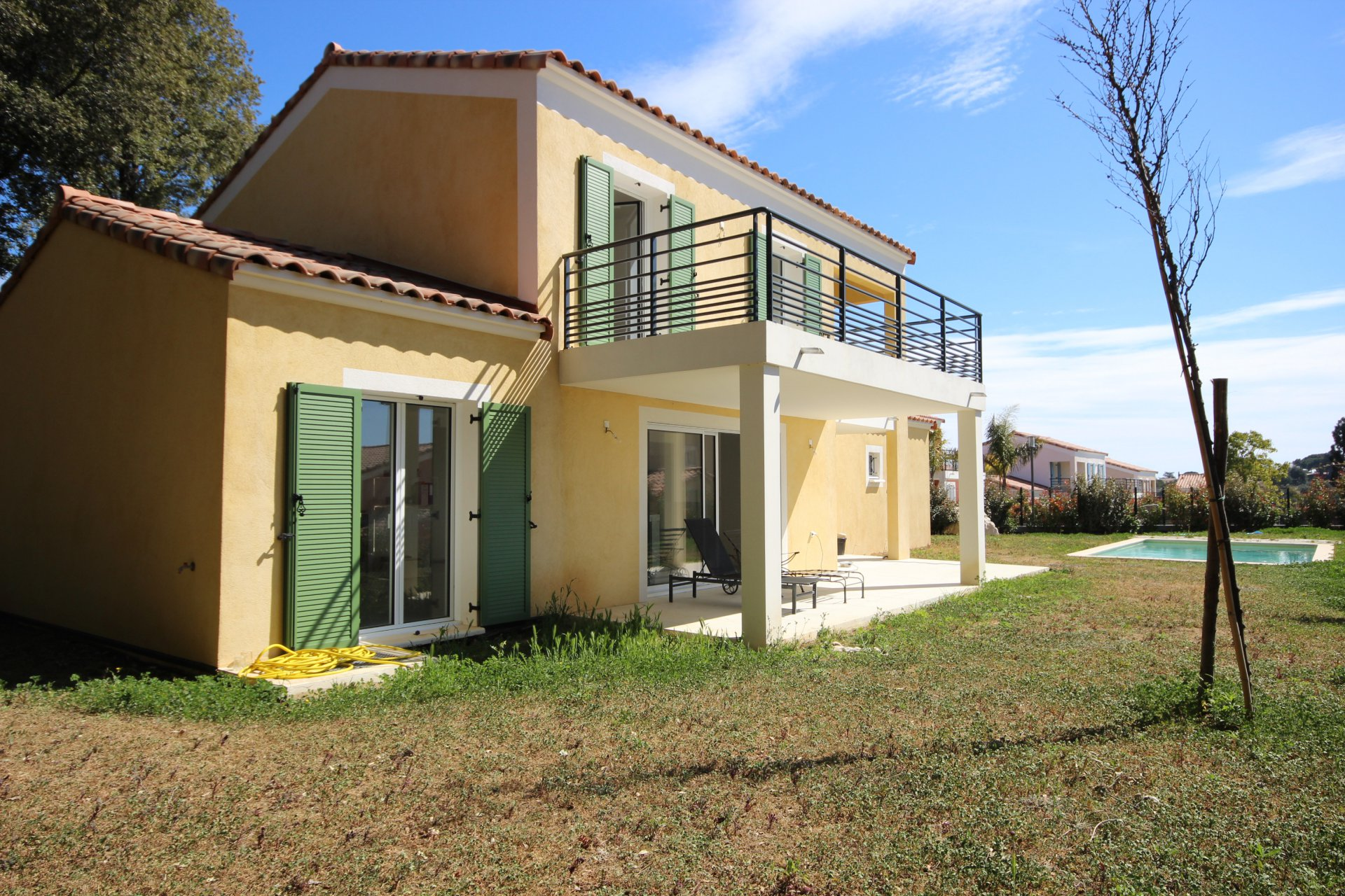 individual new built villa in closed domaine