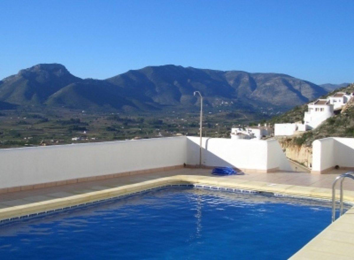 Villa individuelle avec une vue spectaculaire sur la vallée de Jalon