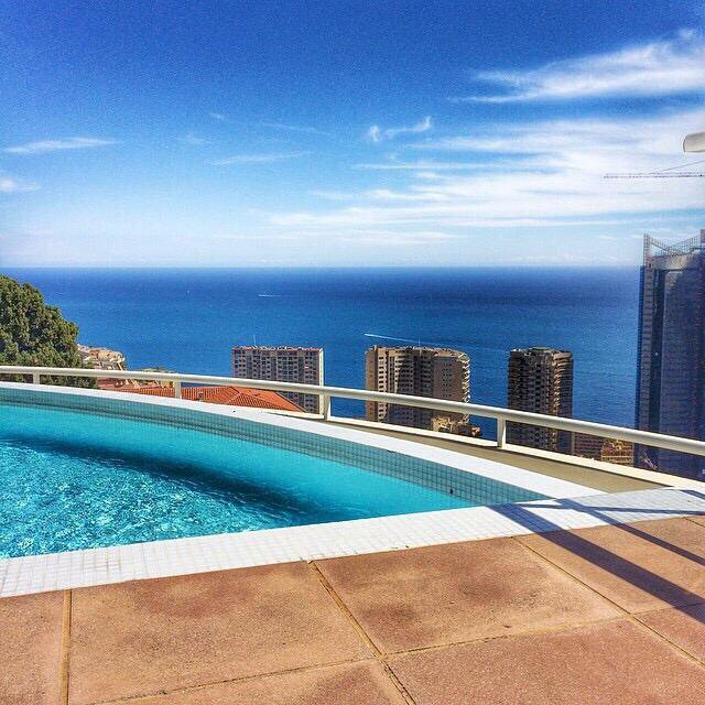 Superb studio with large panoramic sea view terrace in a luxury residence with swimming pool