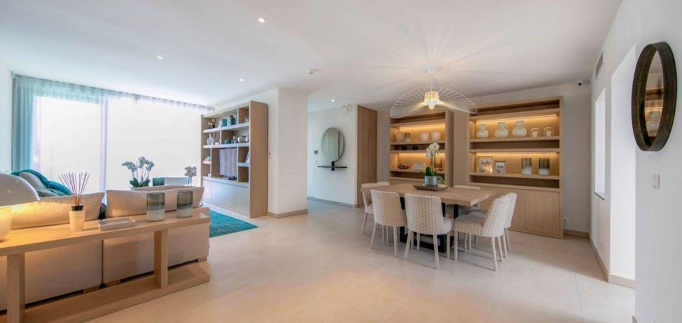 Splendide appartement 4P de 155 m2 avec terrasse et piscine / Cannes Montrose