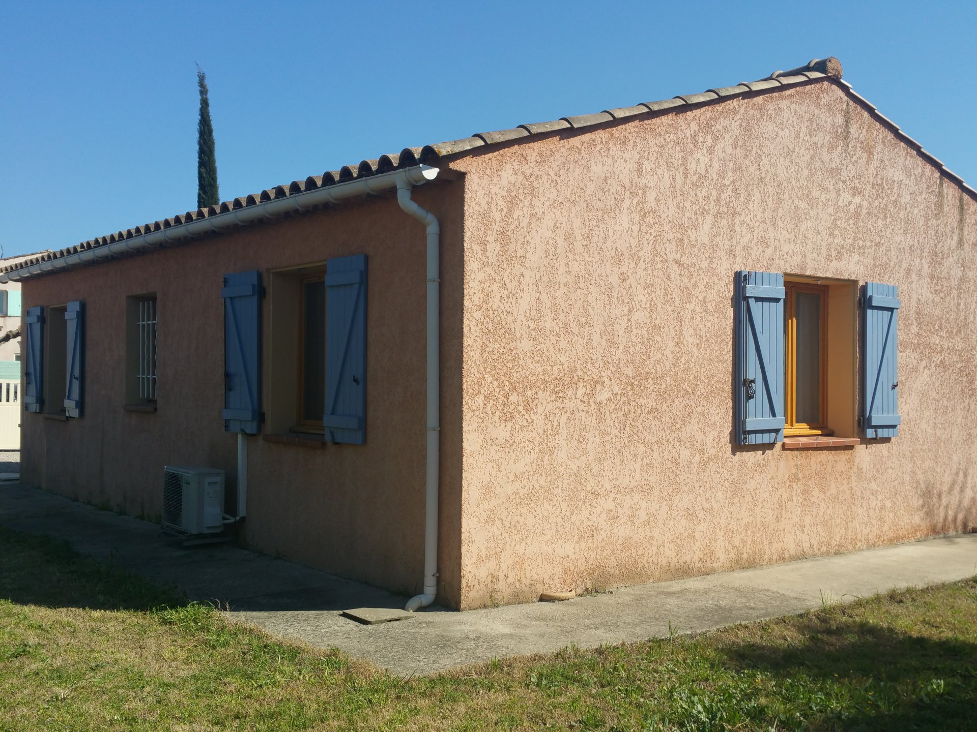 VILLA 70 M² ON FLAT GROUND