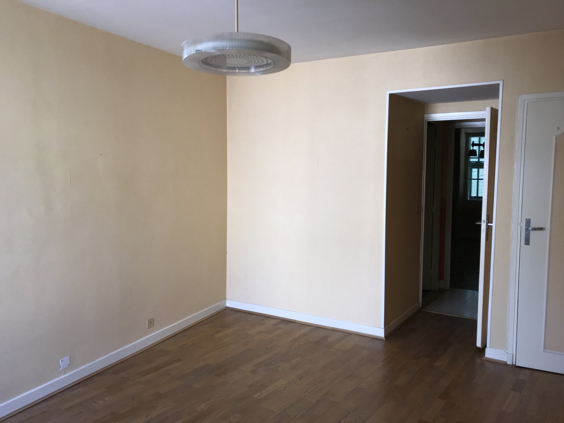 L'ESCARENE: appartement de 120 m²