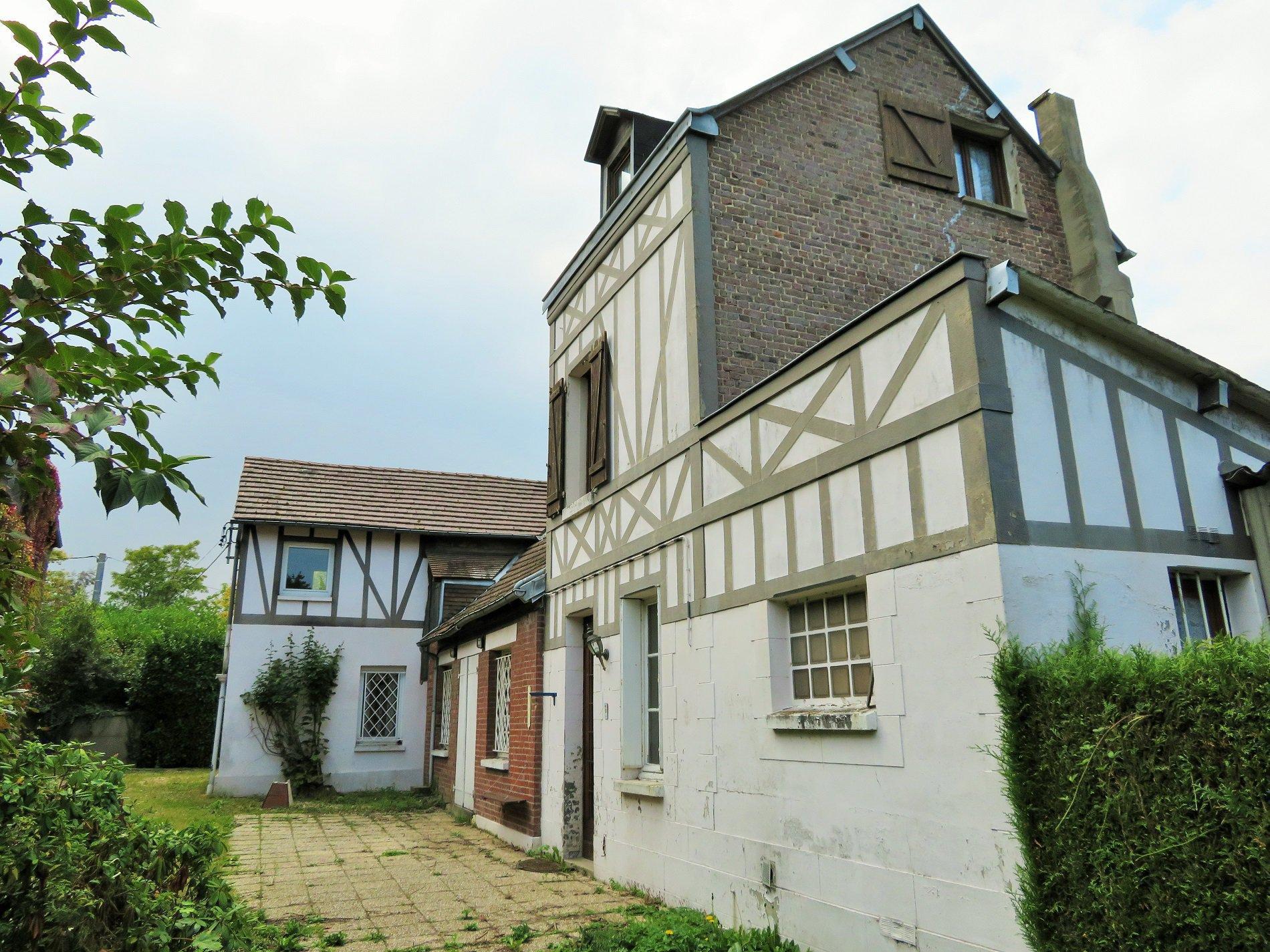Le Mesnil Esnard 76240, maison 7 pièces. A RÉNOVER TOTALEMENT.