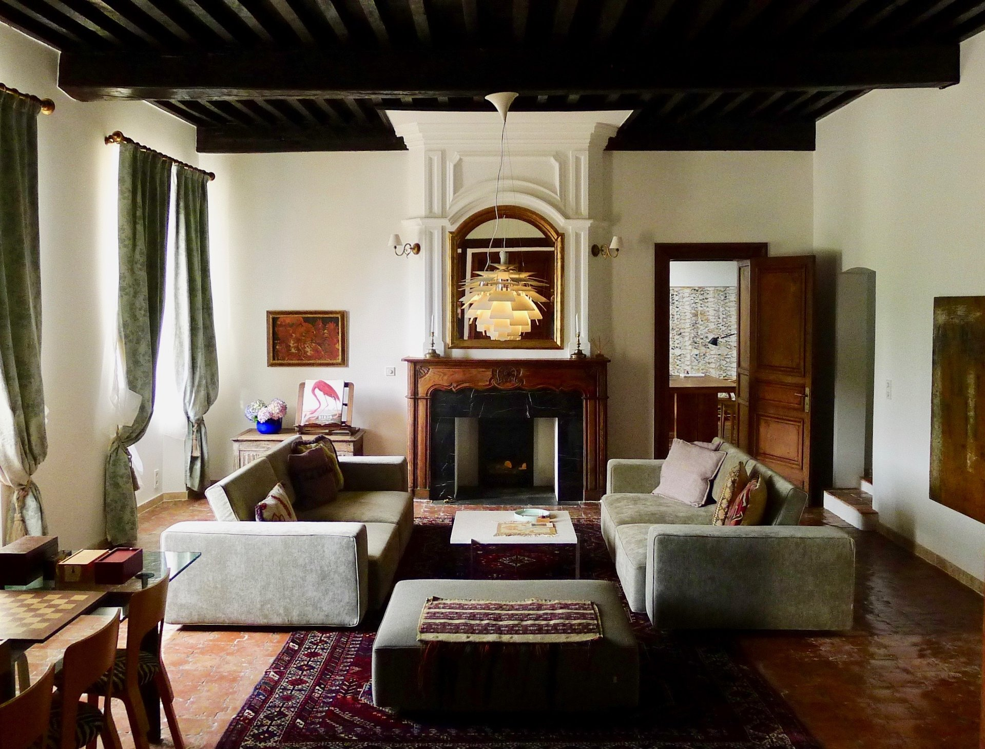 Superbly renovated 17th century château with pool and 10 hectares of parkland