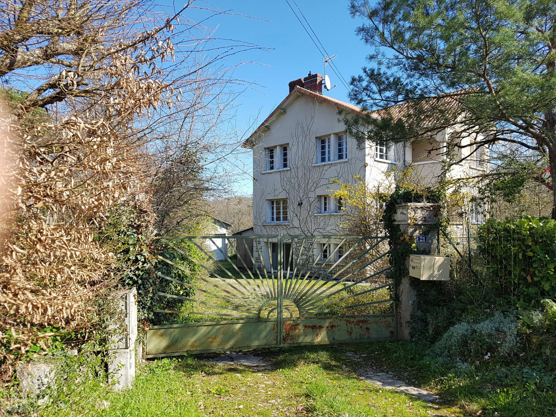 Chauvigny, Vienne 86: big house with great view