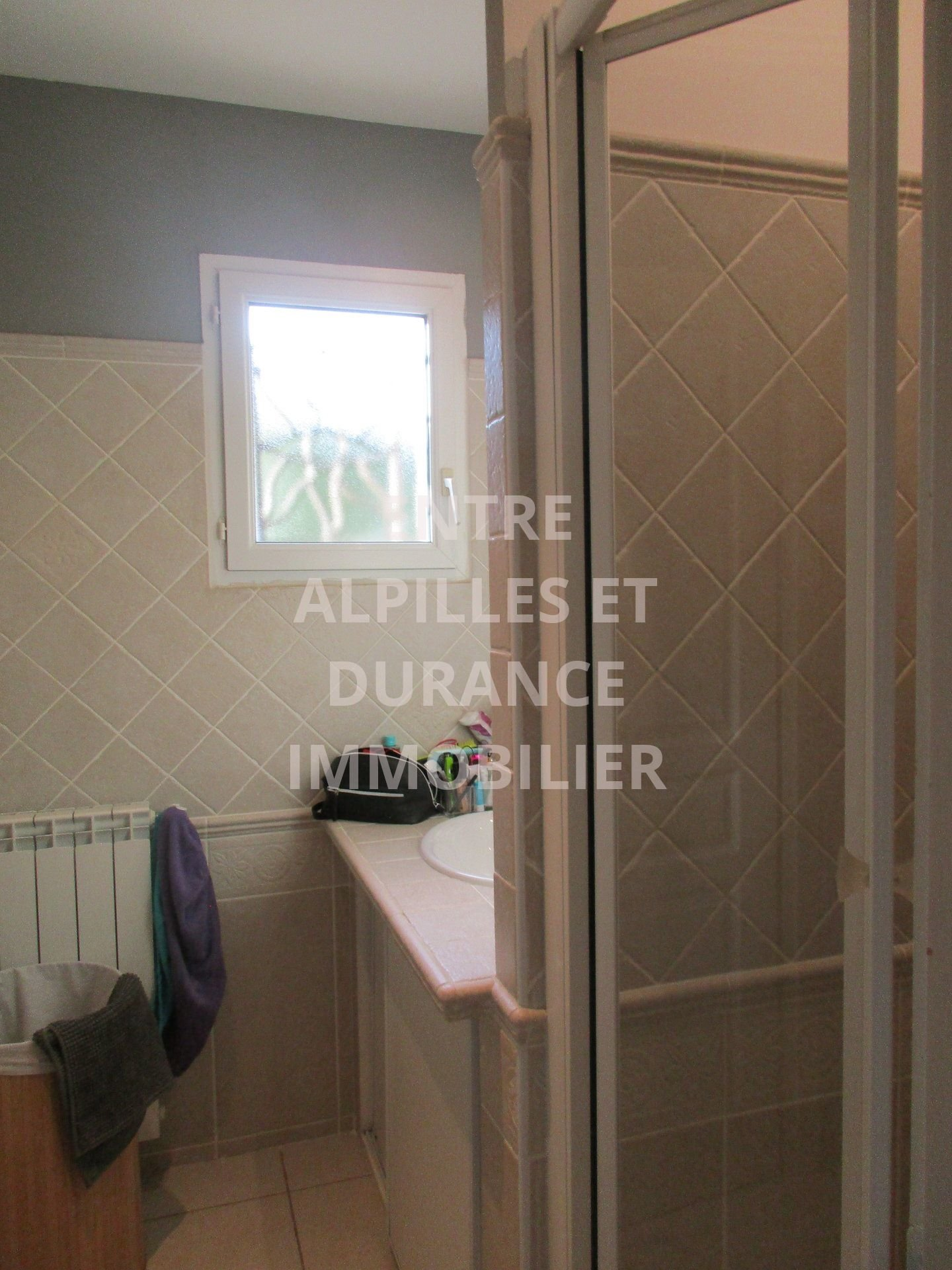 EXCLUSIVITY CHATEAURENARD A single storey house