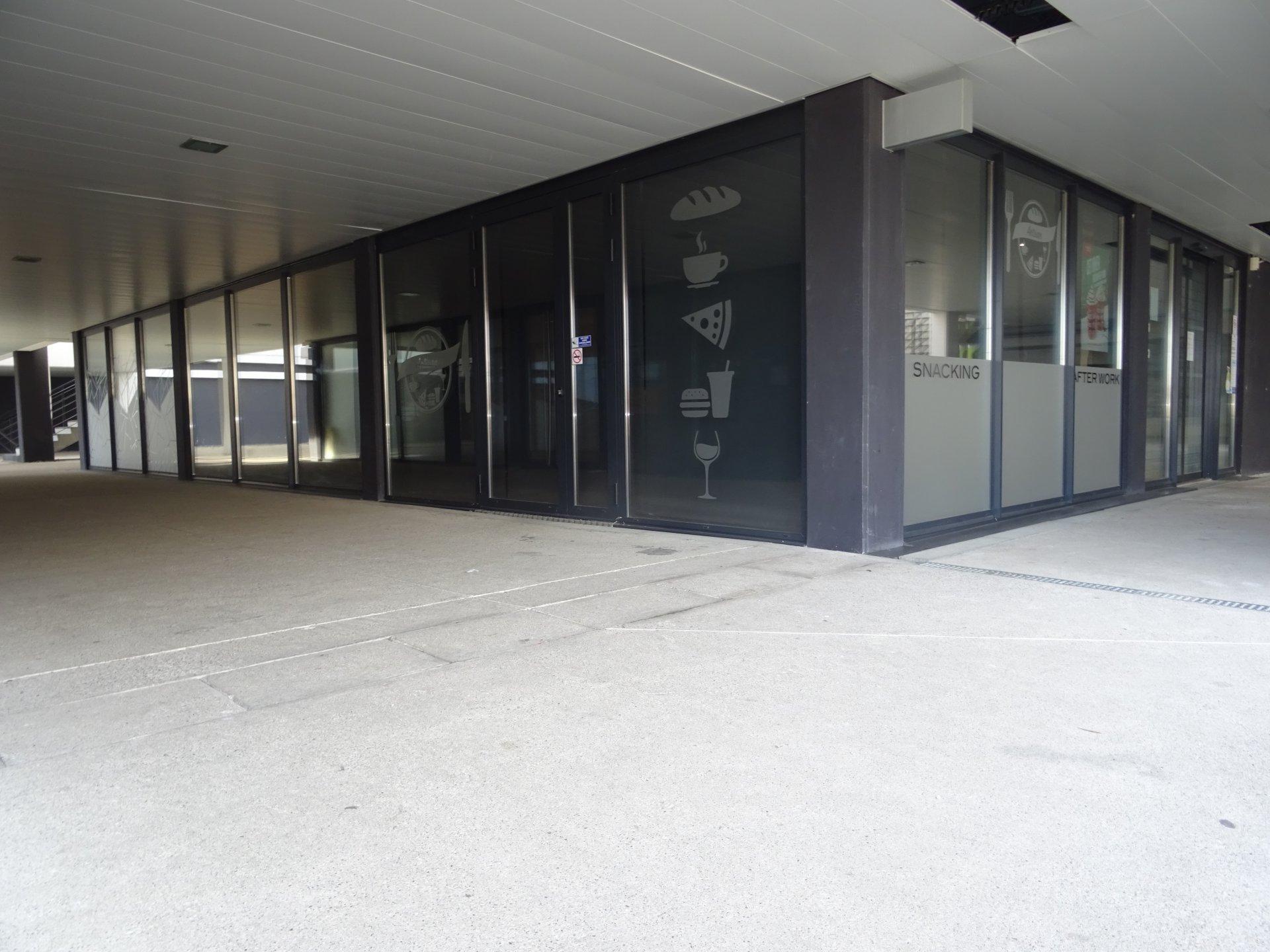 Auzeville, Locaux de 46 m² avec 1 Parking.