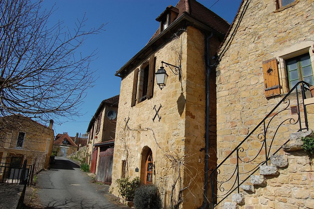 DORDOGNE - Splendid old villagehouse with parking, terrace and shed