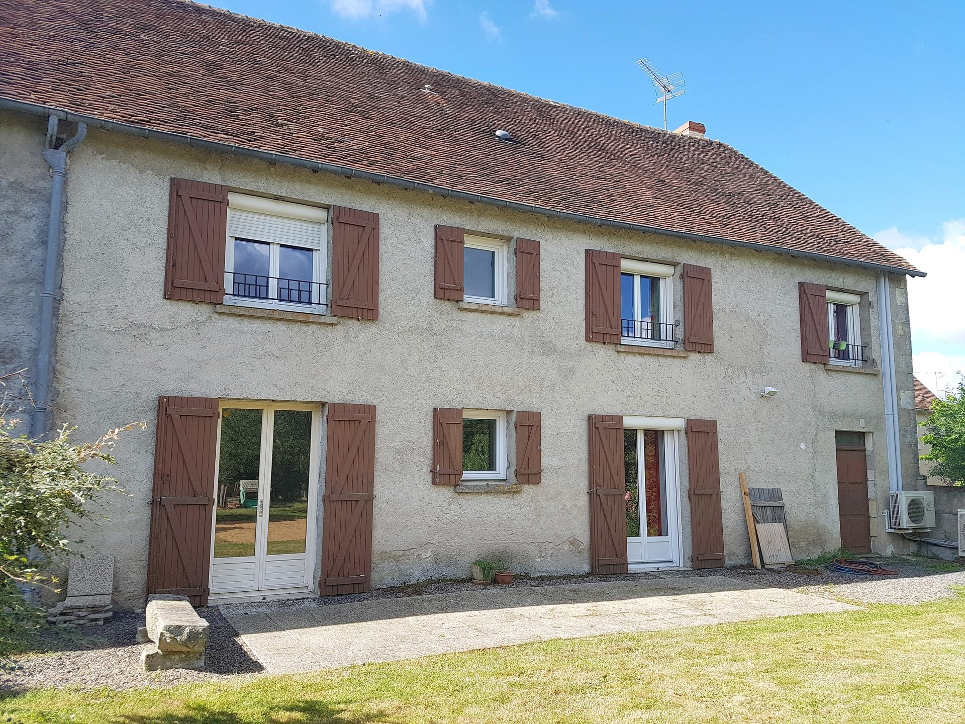 Big house with garage for sale in the Brenne, Indre 36