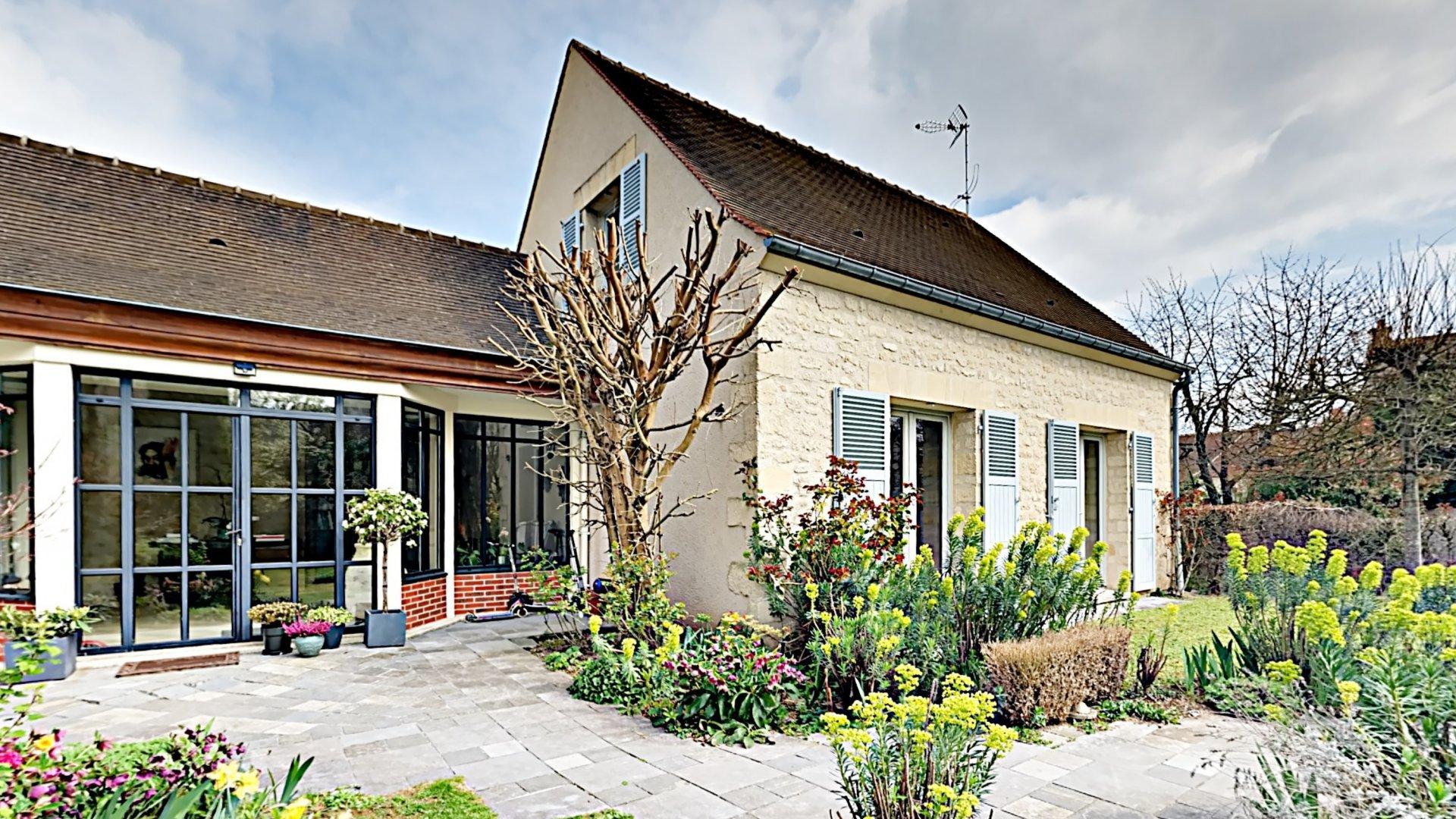 Vente Maison familiale 9 pièces - Senlis - 60300