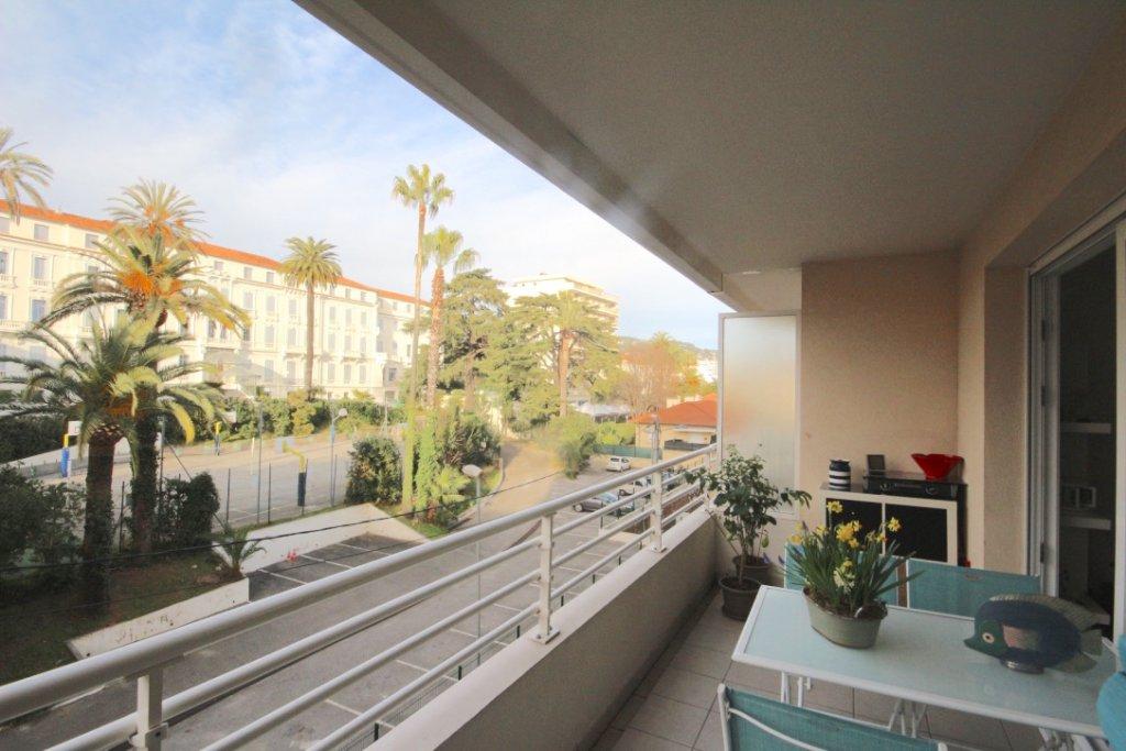 Cannes-3 pièces,terrasse.