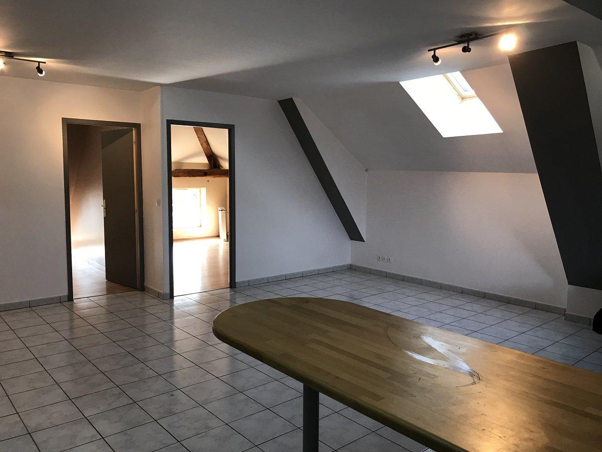 Appartement T3 rénové avec terrasse