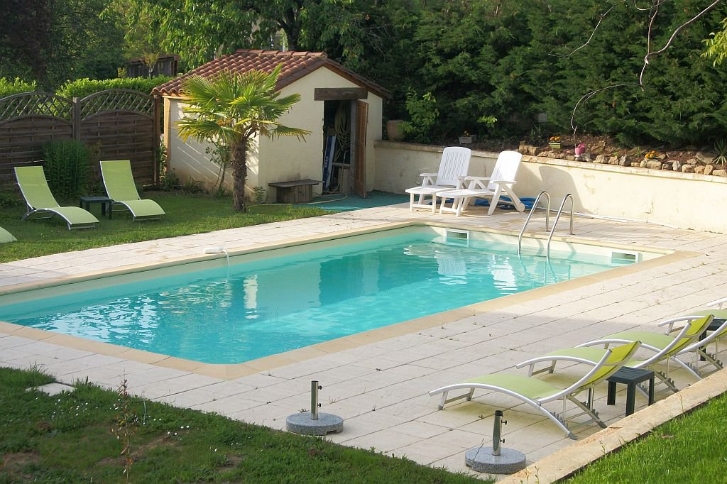 DORDOGNE - Complexe with private house, 9 guestrooms, pool, parking