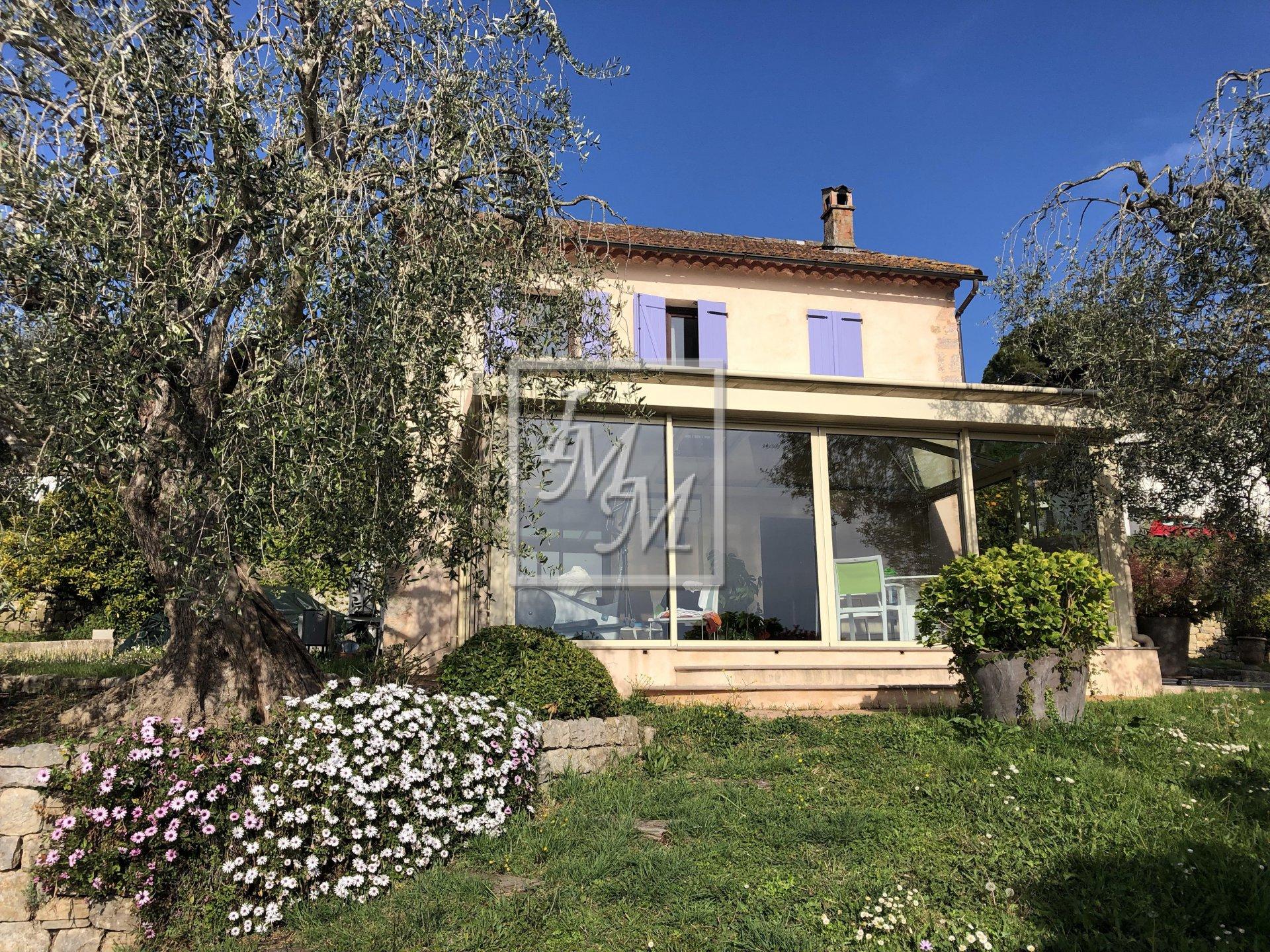 for sale in Mouans-Sartoux Castellaras House 5 roms land 4 263 m² pool