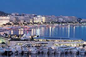 Modern, exclusive two-bed apartment with terrace in Montfleury in Cannes