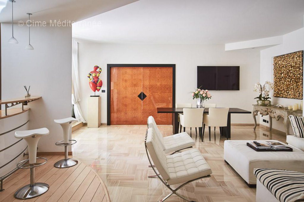 luxury apartment for sale in Cannes, Le Gray D'Albion - 1 bedroom apartment with terrace - Sole Agent