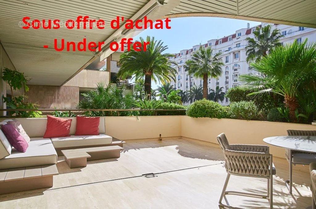 Vente appartement de luxe à Cannes, Le Gray D'Albion - 2 pièces avec terrasse - Exclusivité
