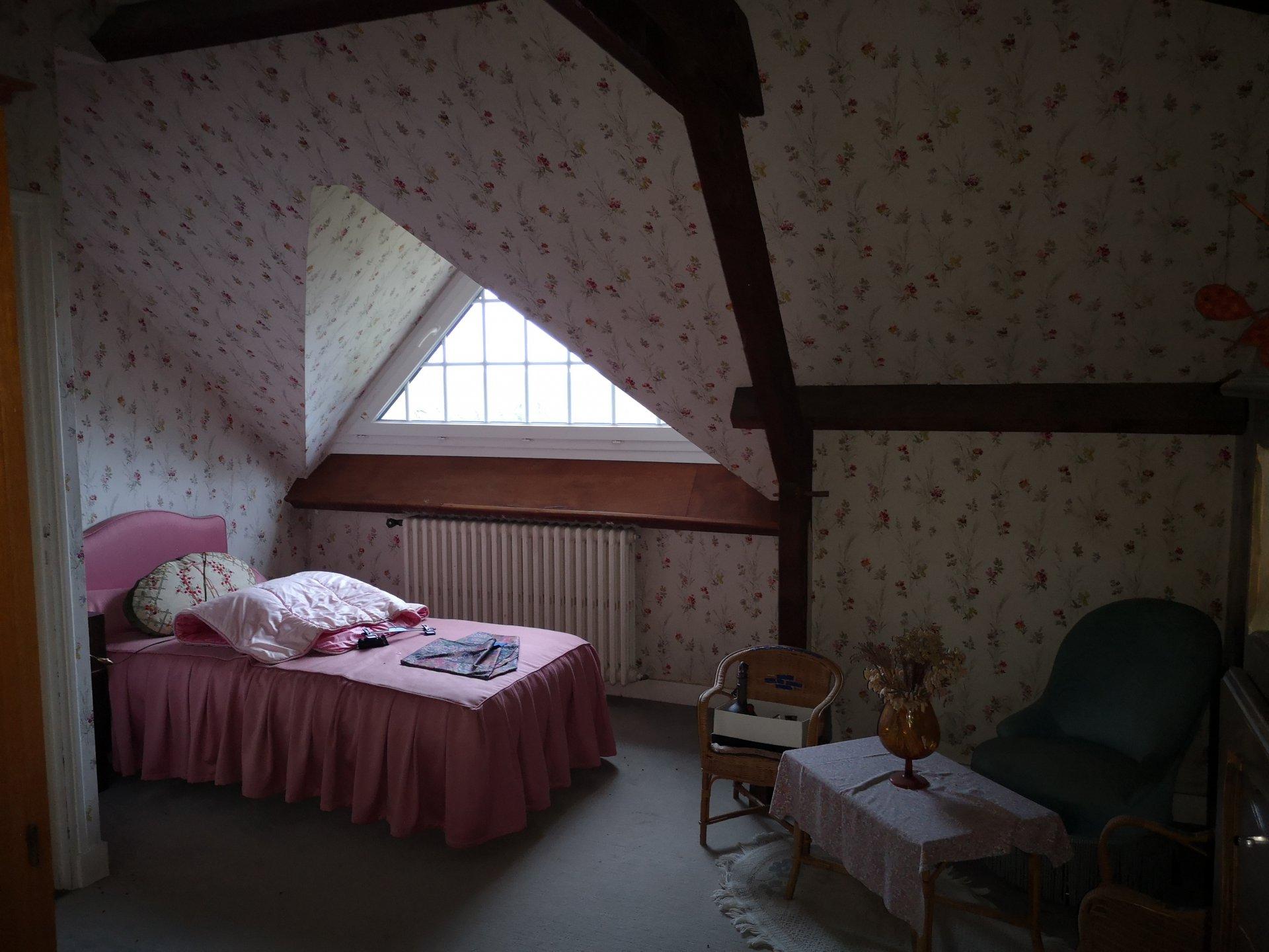 Pavillon 138m² F6 sur Terrain de 1.5 HECTARES  St Pierre des Nids